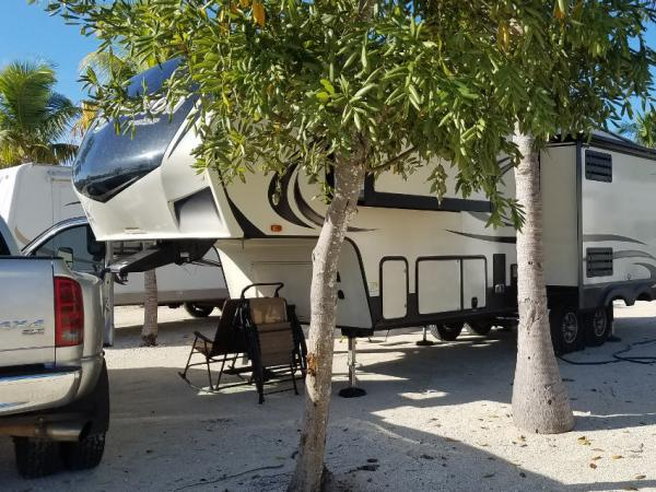 Big Pine Key Fishing Lodge | Tracy Marie Lewis | www.stuffnthingz.com
