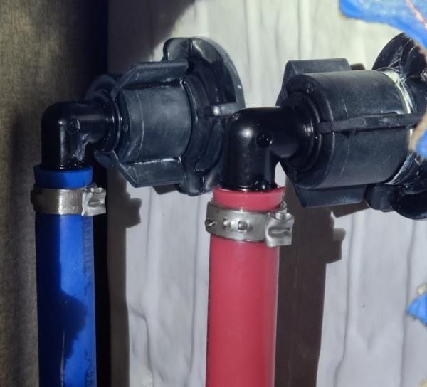 RV Shower Leak Repair   Tracy Marie Lewis   www.stuffnthingz.com